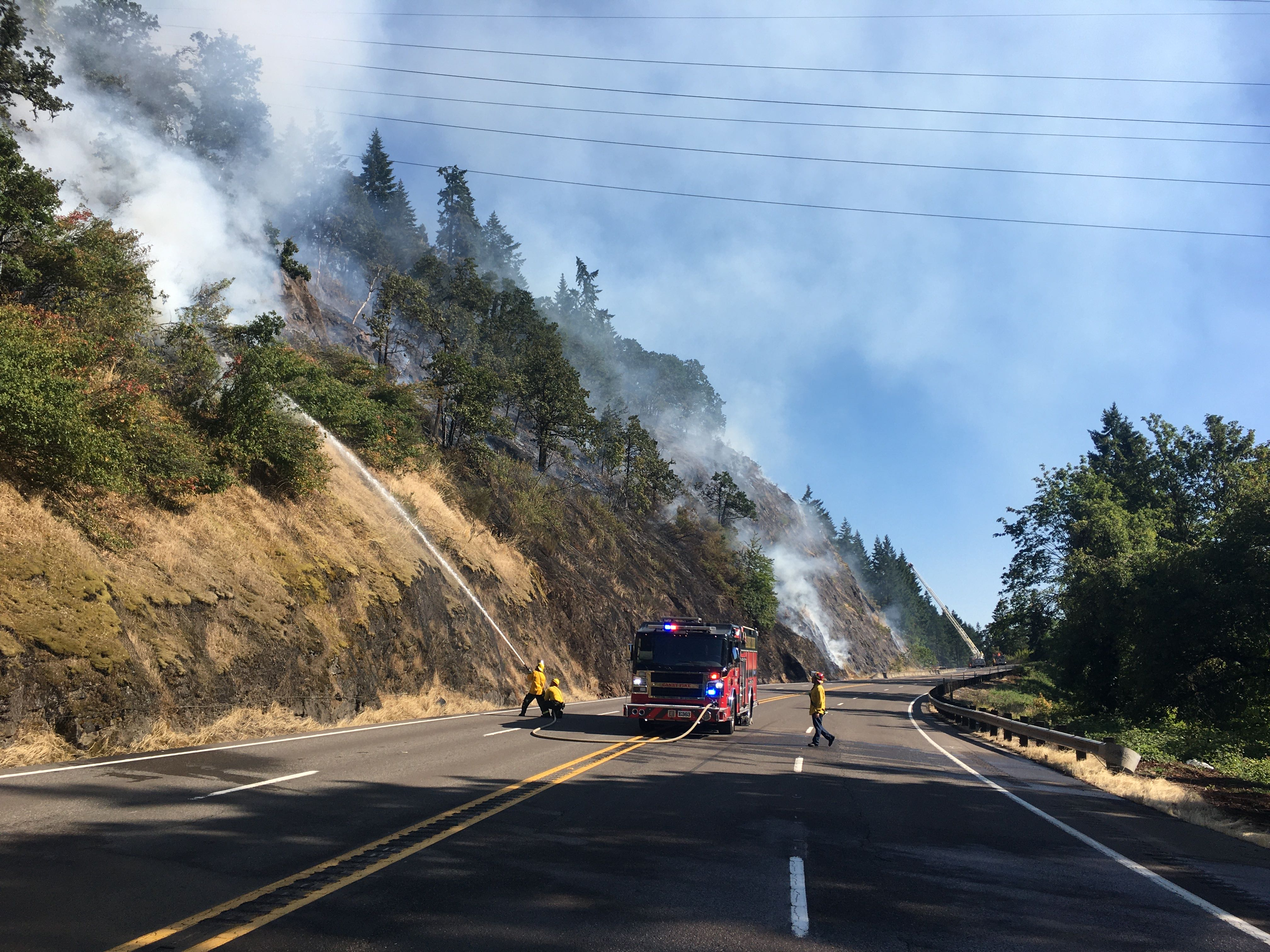 Evacuations lifted for fire near Highway 99E between Canby, Oregon City