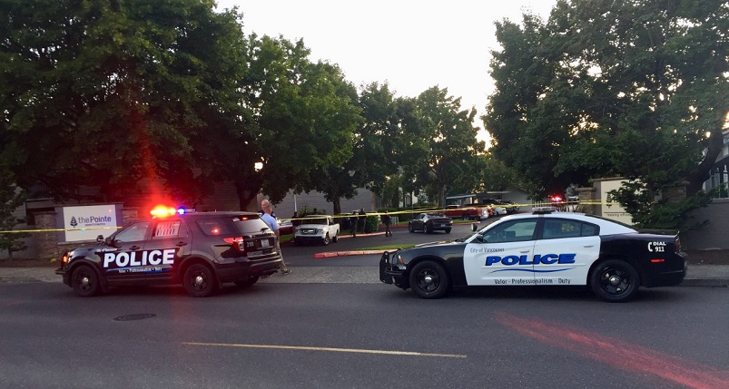 Deputy shot in Vancouver, 3 suspects at large
