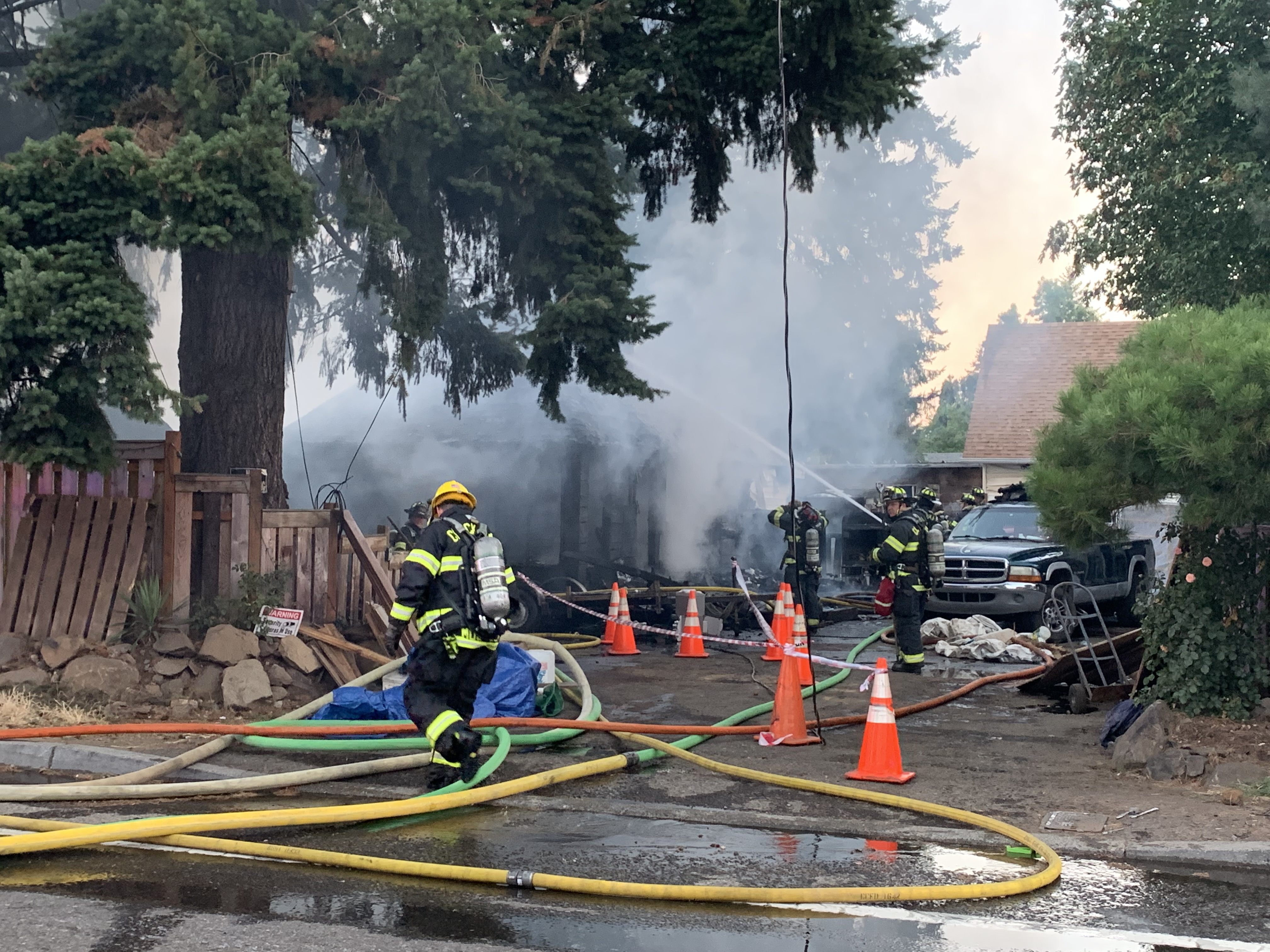 3 displaced, firefighter hurt after ClackCo house fire