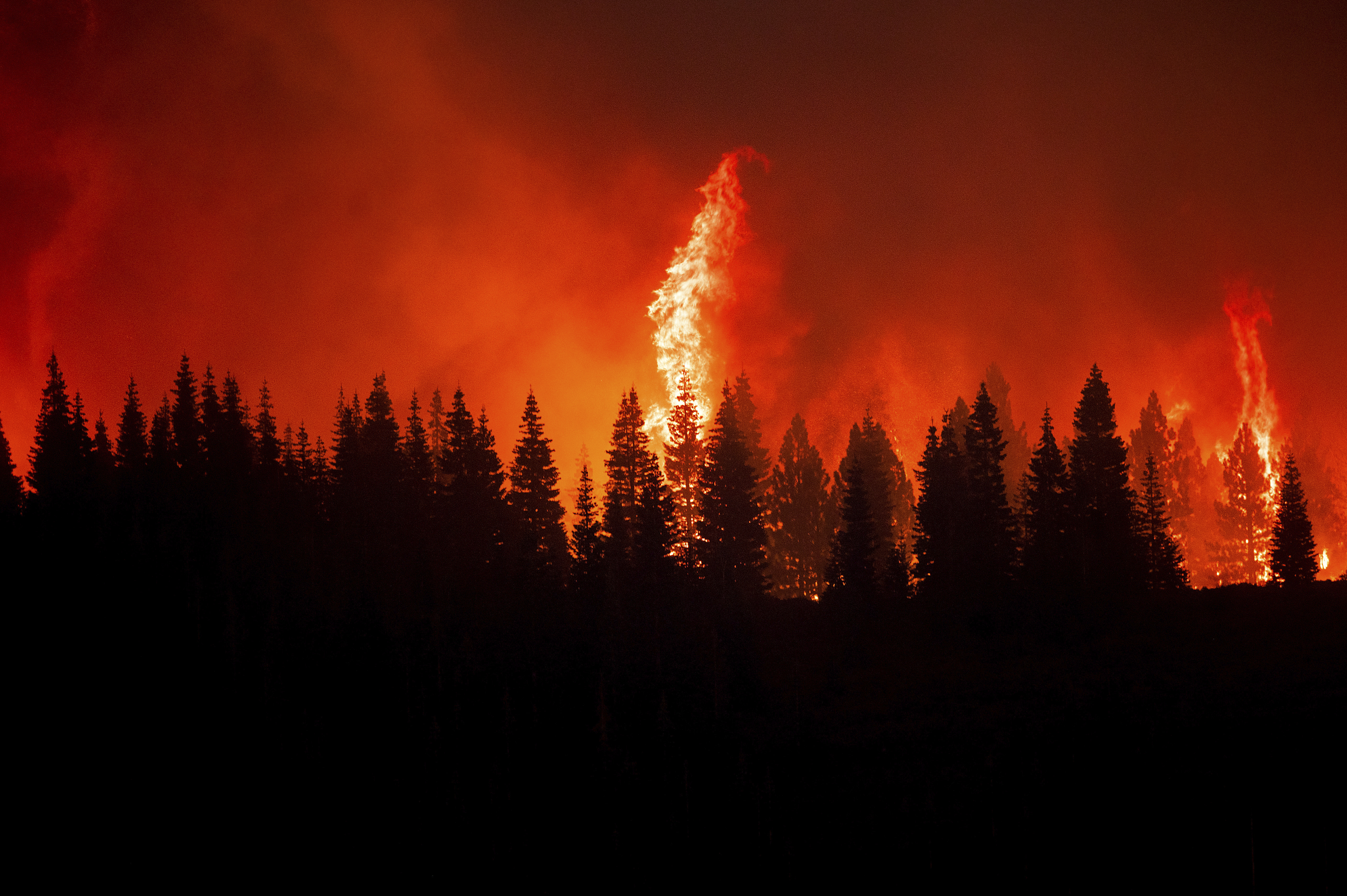 Evacuations lifted as progress made against western fires