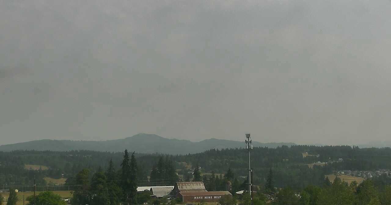 Wildfire smoke stream keeps sky hazy, air quality teetering