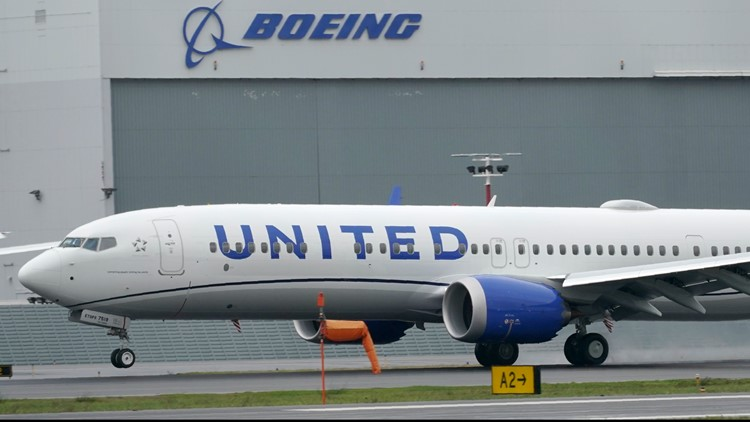 United Airlines requiring all US employees to get COVID vaccine