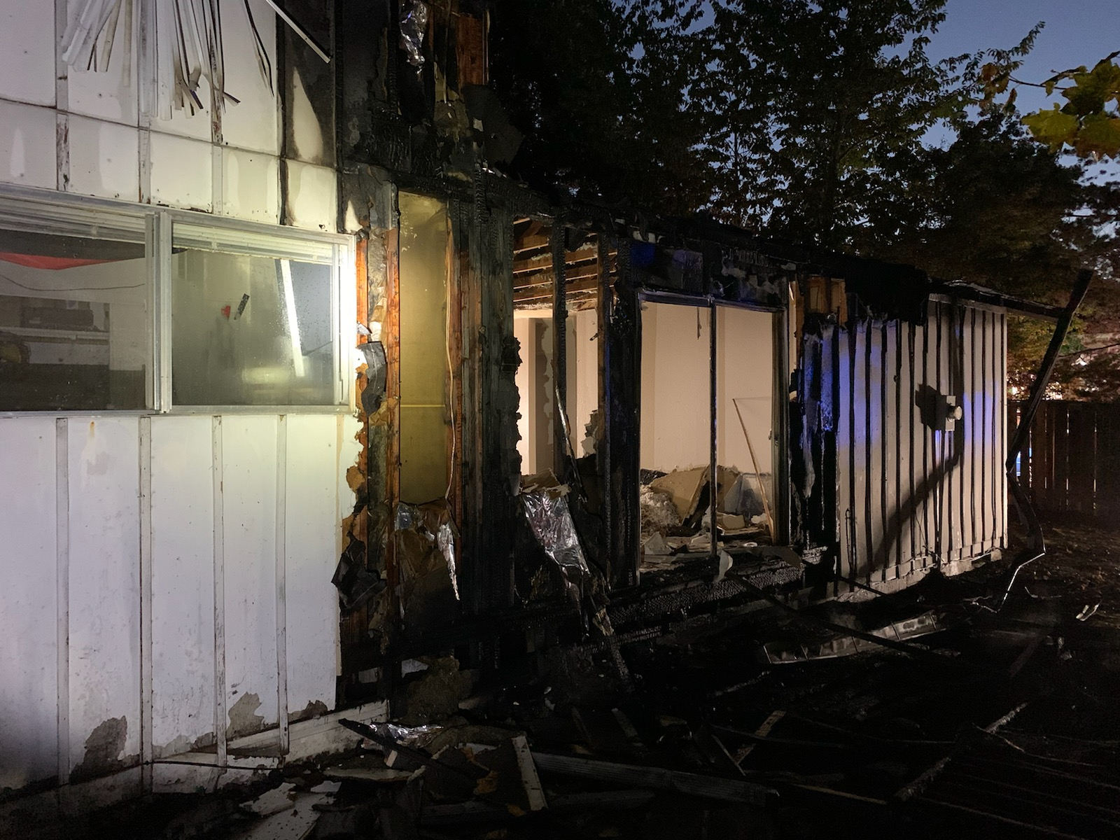 Occupants evacuated after fire sparks at Beaverton apartment