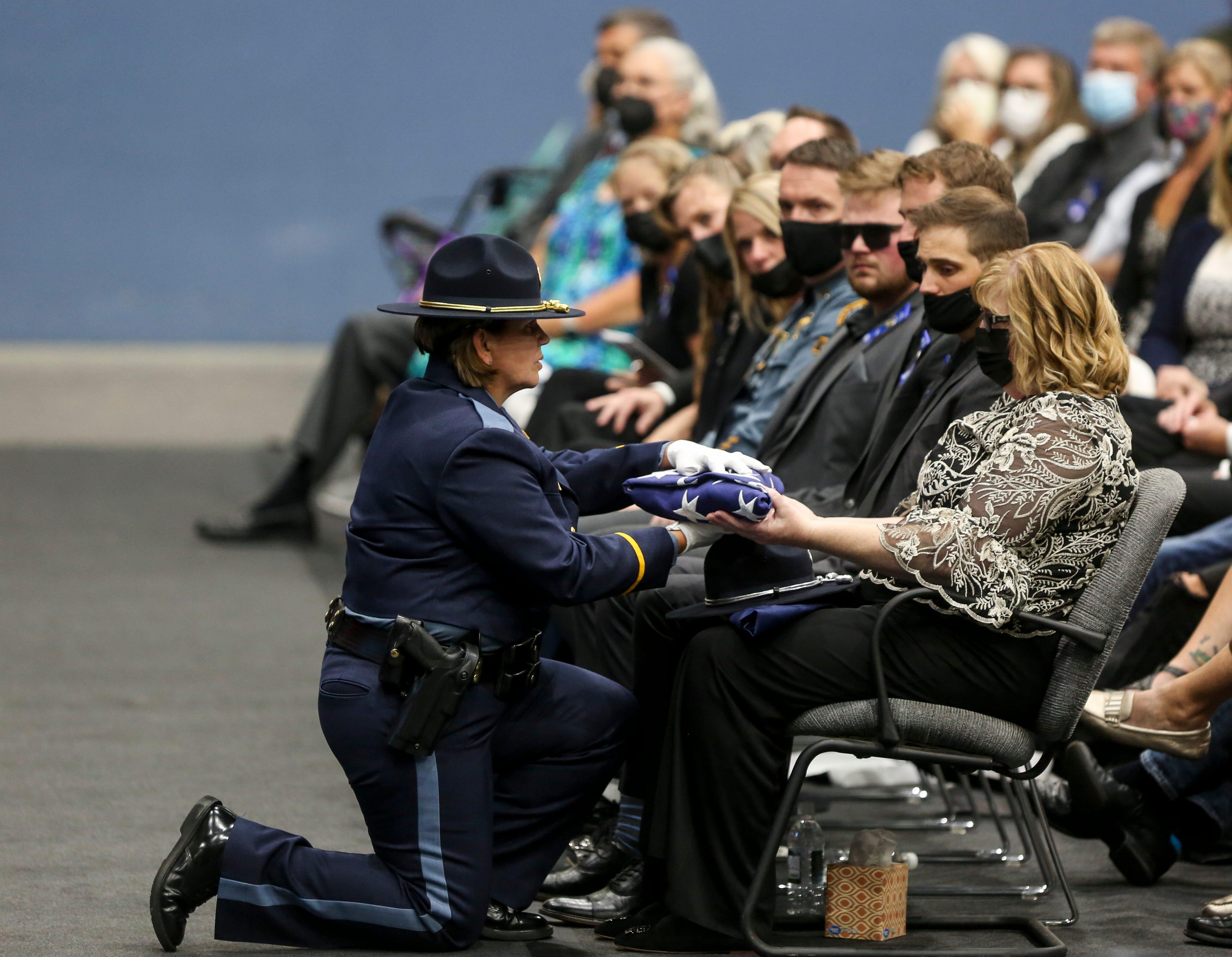 Procession, memorial service honor Oregon State Police Sgt. John Burright
