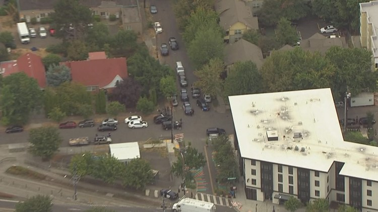Police officer shot and injured in North Portland while serving warrant; suspect dead