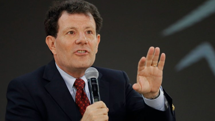Nicholas Kristof, mulling run for Oregon governor, releases legal opinion attesting his eligibility