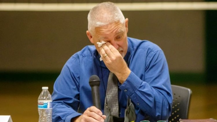 School district in Eastern Oregon fires superintendent for obeying state's mask mandate