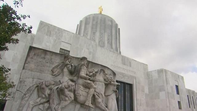 Hundreds protest Oregon vaccine, mask mandates in Salem