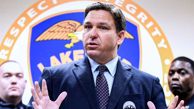 Gov. DeSantis to Offer $5,000 Hiring Bonus for Police Who Lose Jobs Due to Vax Mandates in Other States